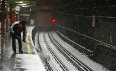 Giao thông nước Anh trong bão tuyết - 8