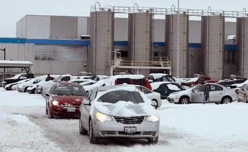 Chrysler đóng cửa 4 nhà máy trong tháng 2 - 1