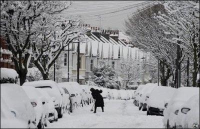Giao thông nước Anh trong bão tuyết - 4