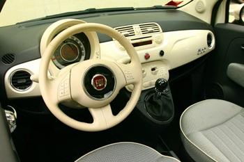 Xe Fiat 500 được vinh danh ở châu Âu  - 3