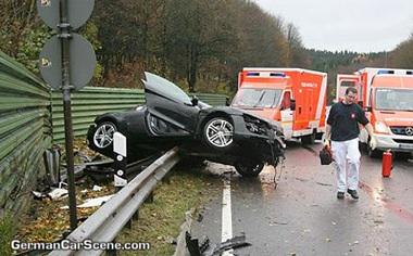 Tai nạn kinh hoàng với siêu xe Audi R8  - 3