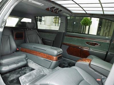 Limousine Maybach: Giá đắt gấp đôi - 3