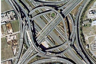 """Những giao lộ """"khủng"""" nhất thế giới - 3"""