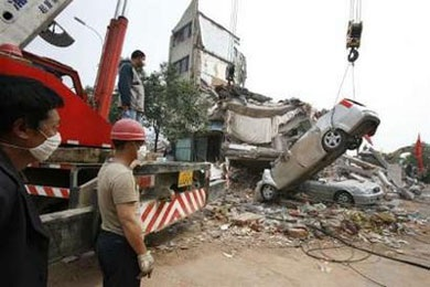 Ô tô trong động đất - 10