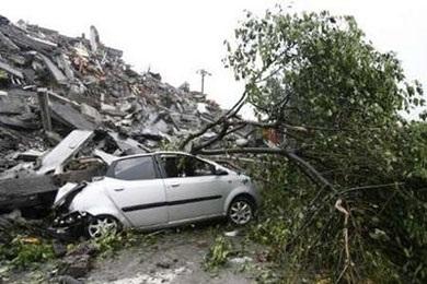 Ô tô trong động đất - 14