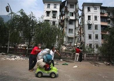 Ô tô trong động đất - 9