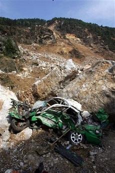 Ô tô trong động đất - 3