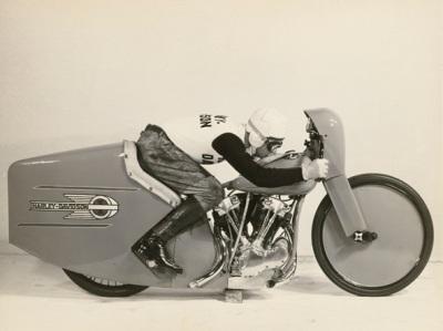 Chuyện về Harley-Davidson huyền thoại - 5