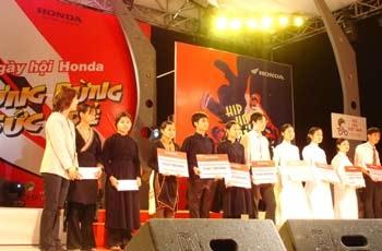 """Niềm vui bất ngờ ở """"Ngày hội Honda 2006""""  - 1"""