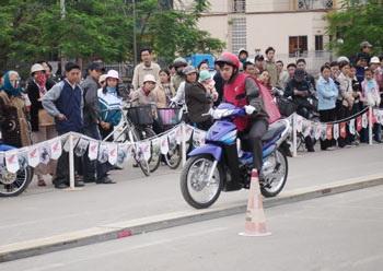 """Niềm vui bất ngờ ở """"Ngày hội Honda 2006""""  - 2"""