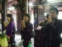 Đi chùa Hà làm lễ… gọi tình - 1