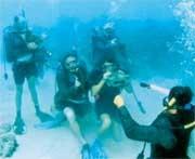 Những chuyện kỳ lạ dưới nước - 2