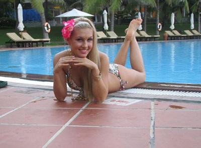 Chiêm ngưỡng người đẹp các châu lục trình diễn bikini - 3