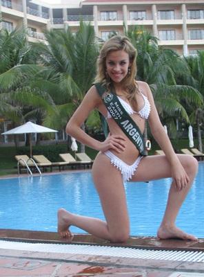 Chiêm ngưỡng người đẹp các châu lục trình diễn bikini - 5