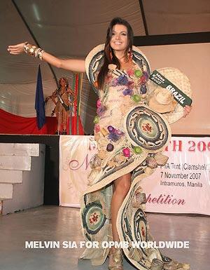 Miss Cu-ba đoạt giải Người mặc trang phục dân tộc đẹp nhất - 6