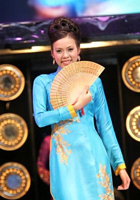 Vương miện thuộc về người đẹp Lưu Thị Vân Anh!  - 11