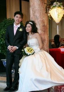 Vân Burin rạng ngời trong ngày cưới... thứ hai  - 4