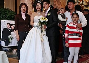 Vân Burin rạng ngời trong ngày cưới... thứ hai  - 13