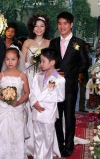 Vân Burin rạng ngời trong ngày cưới... thứ hai  - 6
