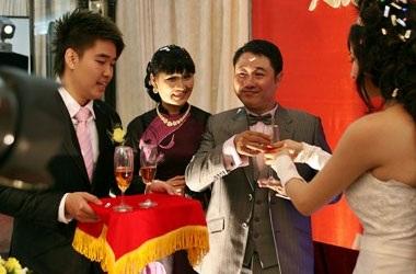 Vân Burin rạng ngời trong ngày cưới... thứ hai  - 9