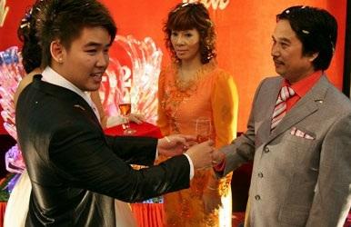 Vân Burin rạng ngời trong ngày cưới... thứ hai  - 8