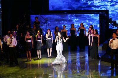 Live show Mỹ Lệ Symphony: Ấn tượng!  - 15