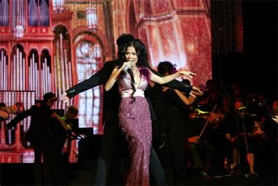 Live show Mỹ Lệ Symphony: Ấn tượng!  - 7