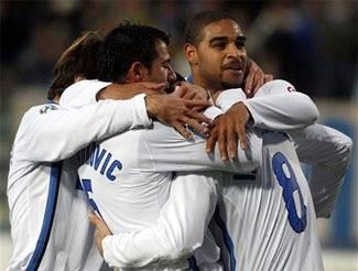 """Inter """"bùng nổ"""", Gilardino khiến Milan """"chết lặng"""" - 1"""