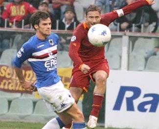"""Totti """"bịt miệng"""" Chủ tịch Calcio và Michel Platini - 1"""