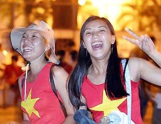 Người Việt có còn yêu bóng đá Việt?  - 1