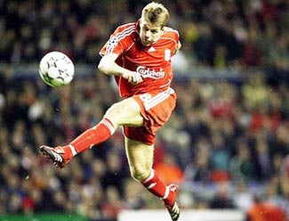 """Gullit: """"Lãng phí quá tài năng Gerrard!"""" - 1"""