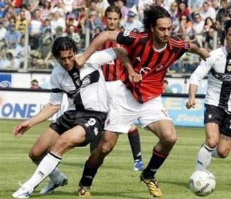 Milan vẫn nuôi hy vọng - 1
