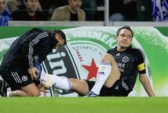 Arsenal, Chelsea khổ vì treo giò và chấn thương! - 1