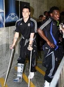 """Mourinho: """"Chúng tôi lại chỉ còn một trung vệ"""" - 1"""