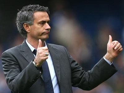 """Mourinho: """"Người Manchester sẽ phải câm nín"""" - 1"""
