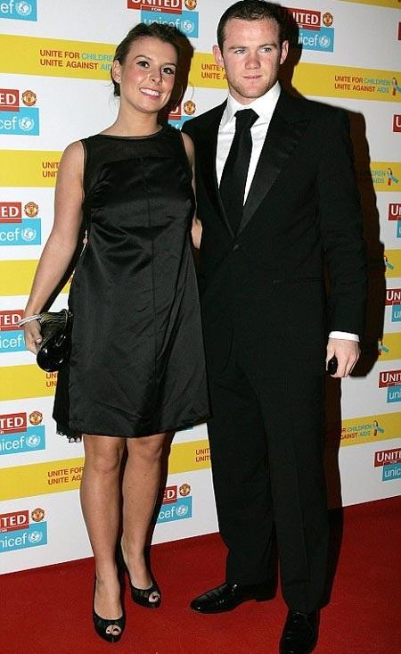 Vợ Rooney bụng bầu 3 tháng? - 1