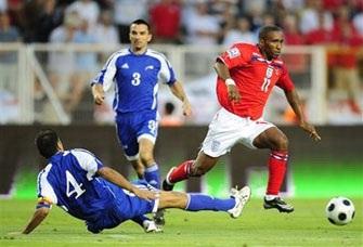 """""""Sư tử"""" Anh thắng nhọc nhằn trước Andorra - 1"""