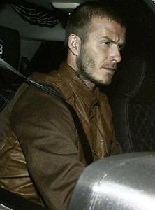 Vợ Beckham vội vã về Anh thăm bố chồng - 3