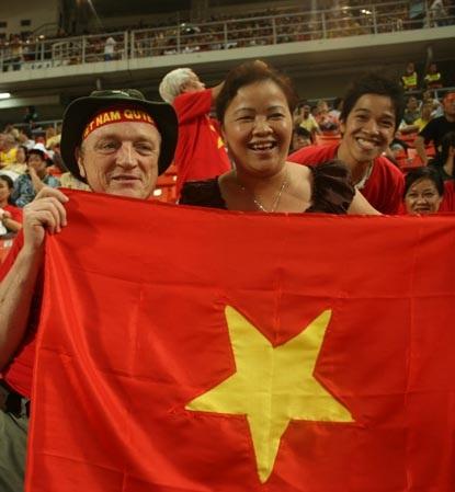 CĐV Việt Nam ngỡ mình đang mơ - 9