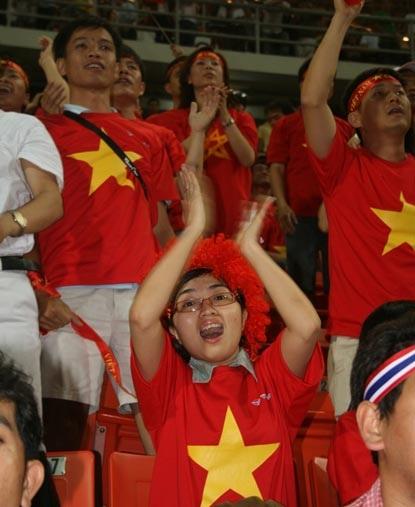 CĐV Việt Nam ngỡ mình đang mơ - 6