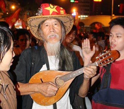 Chùm ảnh: Sài Gòn đêm không ngủ! - 10