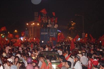 Chùm ảnh: Sài Gòn đêm không ngủ! - 14