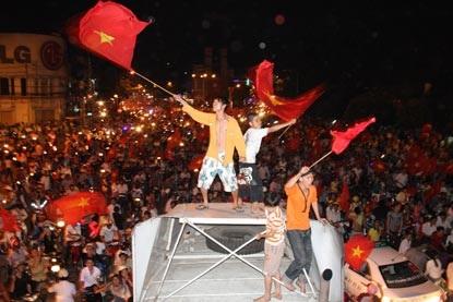 Chùm ảnh: Sài Gòn đêm không ngủ! - 1
