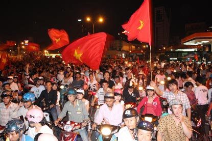 Chùm ảnh: Sài Gòn đêm không ngủ! - 2