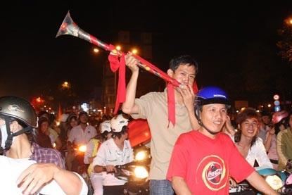 Chùm ảnh: Sài Gòn đêm không ngủ! - 5