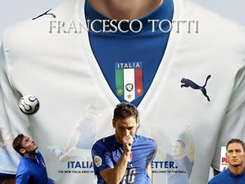 """Totti kiên quyết """"đoạn tuyệt"""" với sắc áo Thiên thanh - 1"""