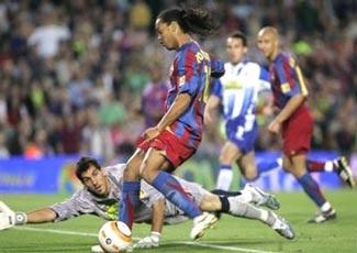 Paris chào đón Ronaldinho trở lại! - 1