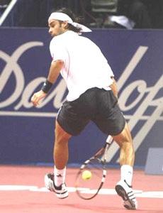 Federer ngất ngây trong men say chiến thắng tại quê hương - 1