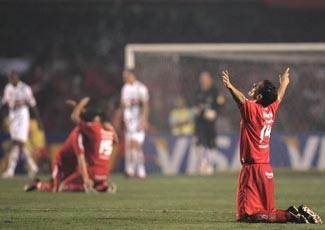 """Internacional trở thành """"ông vua"""" mới của Nam Mỹ - 2"""