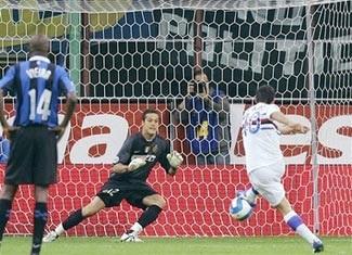 """Inter suýt """"trắng tay"""" ngay trên sân nhà - 1"""
